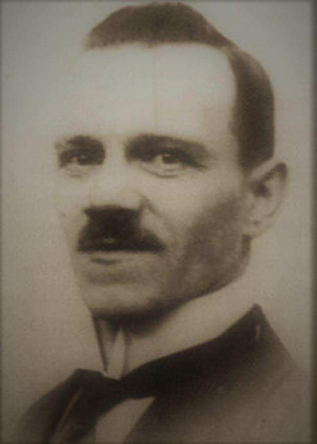 ألويس هتلر ابن الأخ غير الشقيق لأدولف هتلر