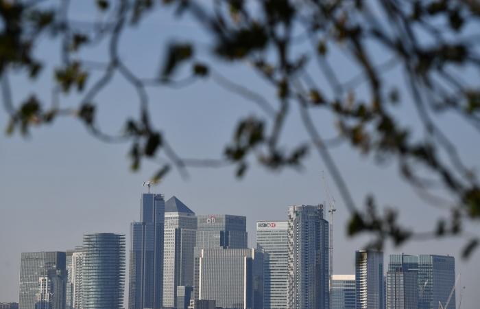 الوباء يغلق مدنا..نصف الأرض بالمنازل و33 ألف تحت التراب