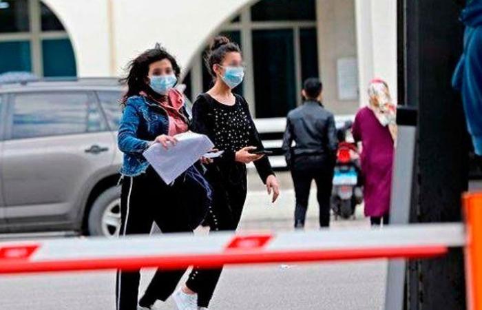 """32 وفاة و1695 إصابة جديدة بـ""""كورونا"""" في لبنان"""