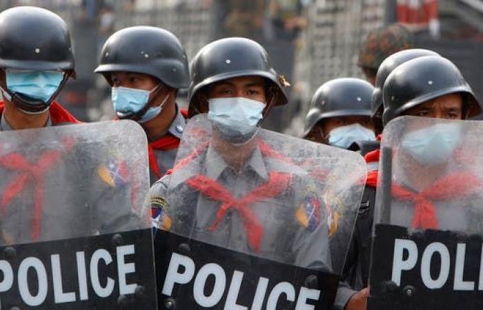 الاتحاد الأوروبي يفرض عقوبات على 10 مسؤولين عسكريين بميانمار