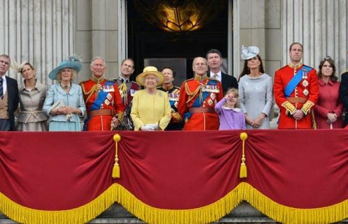بعد وفاة الأمير فيليب وتنحي هاري.. ما هو مصير العائلة المالكة؟