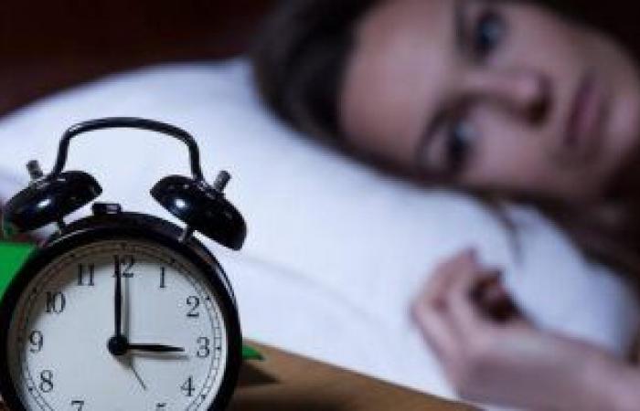 دراسة: النوم المتقطع يرتبط بزيادة خطر الوفاة لدى النساء بسبب أمراض القلب