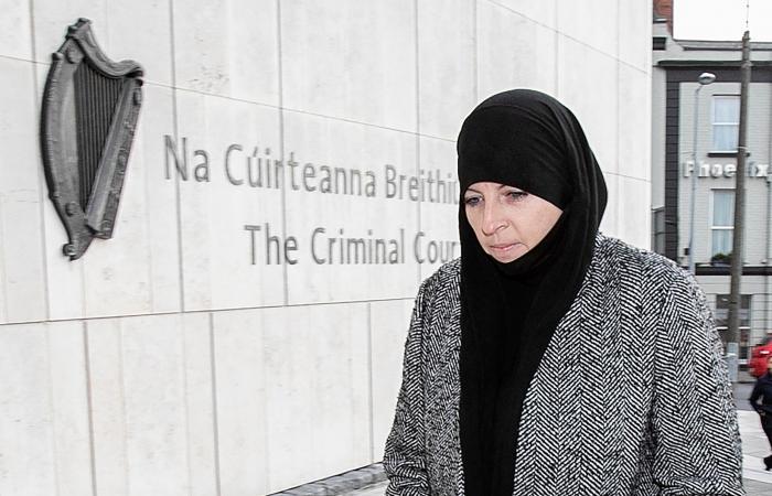 """""""عروس داعش"""" الشهيرة تضرب ثانية.. طريق أيرلندا شرّعت"""