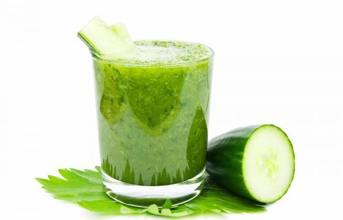 كيف تتخلص من الإمساك واضطرابات القولون؟ تناول عصير البطيخ والخيار