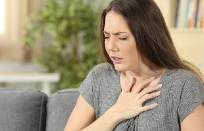 علامات تظهر على مريض كورونا تؤكد إصابته بضيق التنفس.. تعرف عليها