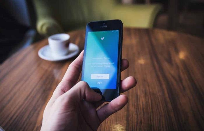 تويتر تطور ميزة جديدة لتصنيف تغريداتك المحفوظة