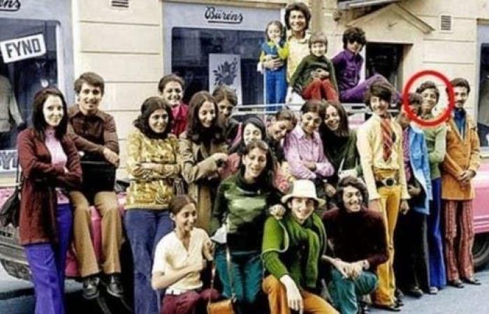 بن لادن كما لم تره من قبل.. صورة له يافعاً برحلة عائلية