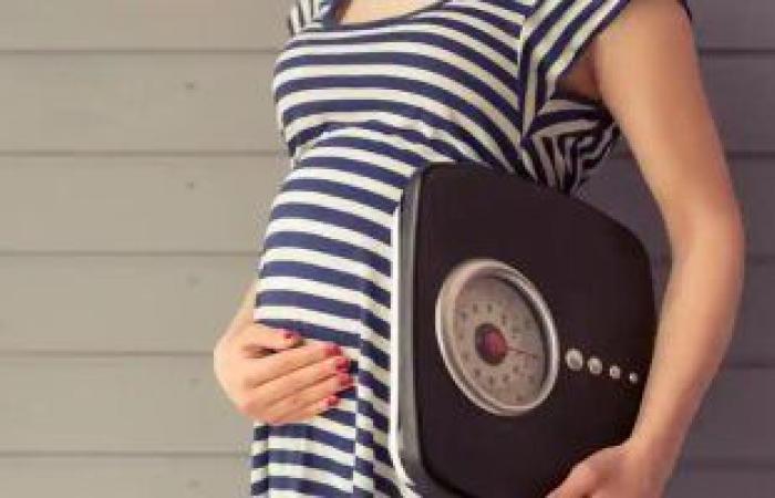 ريجيم آمن للمرأة الحامل.. احرصى على الخضروات والفاكهة وابعدى عن المقليات