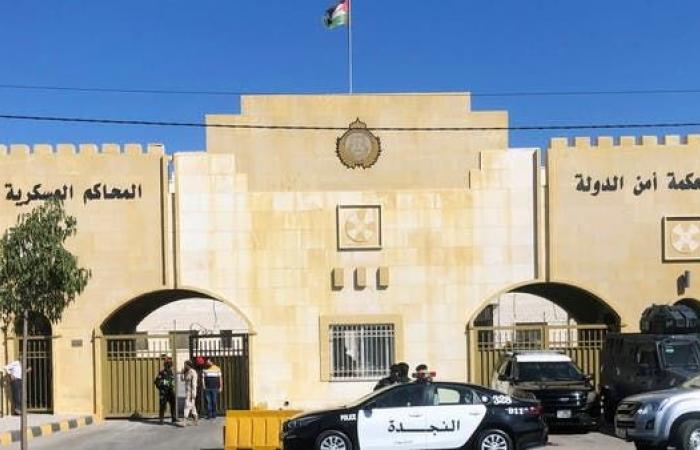 فيديو.. عوض الله والشريف حسن أمام المحكمة في الأردن