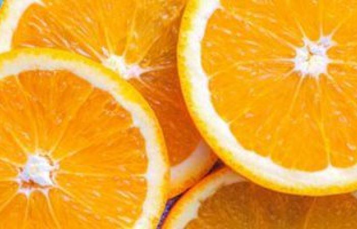 أطعمة تساعد على علاج انتفاخ المعدة.. أبرزها البرتقال