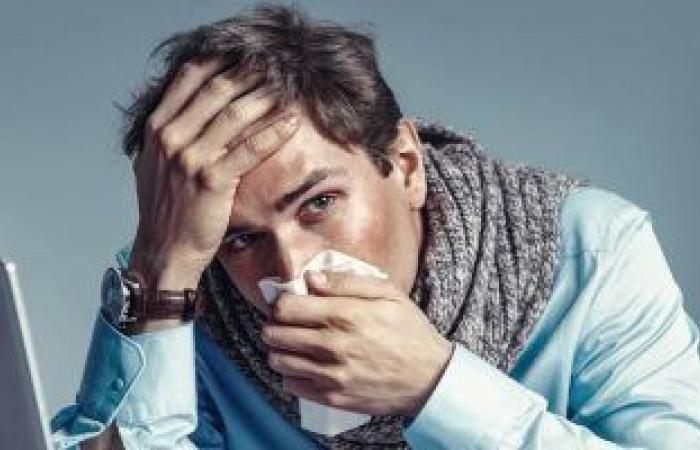 ازاى تعرف إذا كان سيلان أنفك من أعراض كورونا أم مجرد نزلة برد