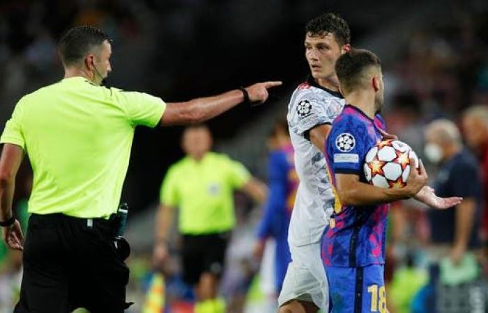 مشاكل برشلونة تستمر.. إصابة ألبا وبيدري في مباراة بايرن