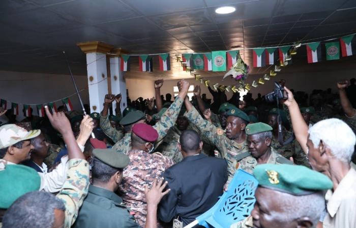 """من مقر الانقلاب الفاشل.. البرهان """"سنحمي وحدة السودان"""""""