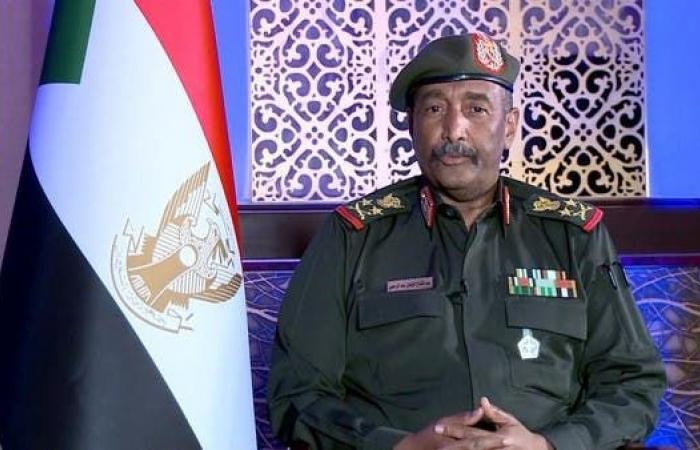 البرهان: لا علاقة للمؤسسة العسكرية بالسياسة في السودان